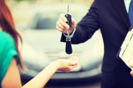 Remise de clés au propriétaire d'une voiture star 2019