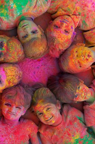 Pourquoi célèbre-t-on la fête des couleurs ?