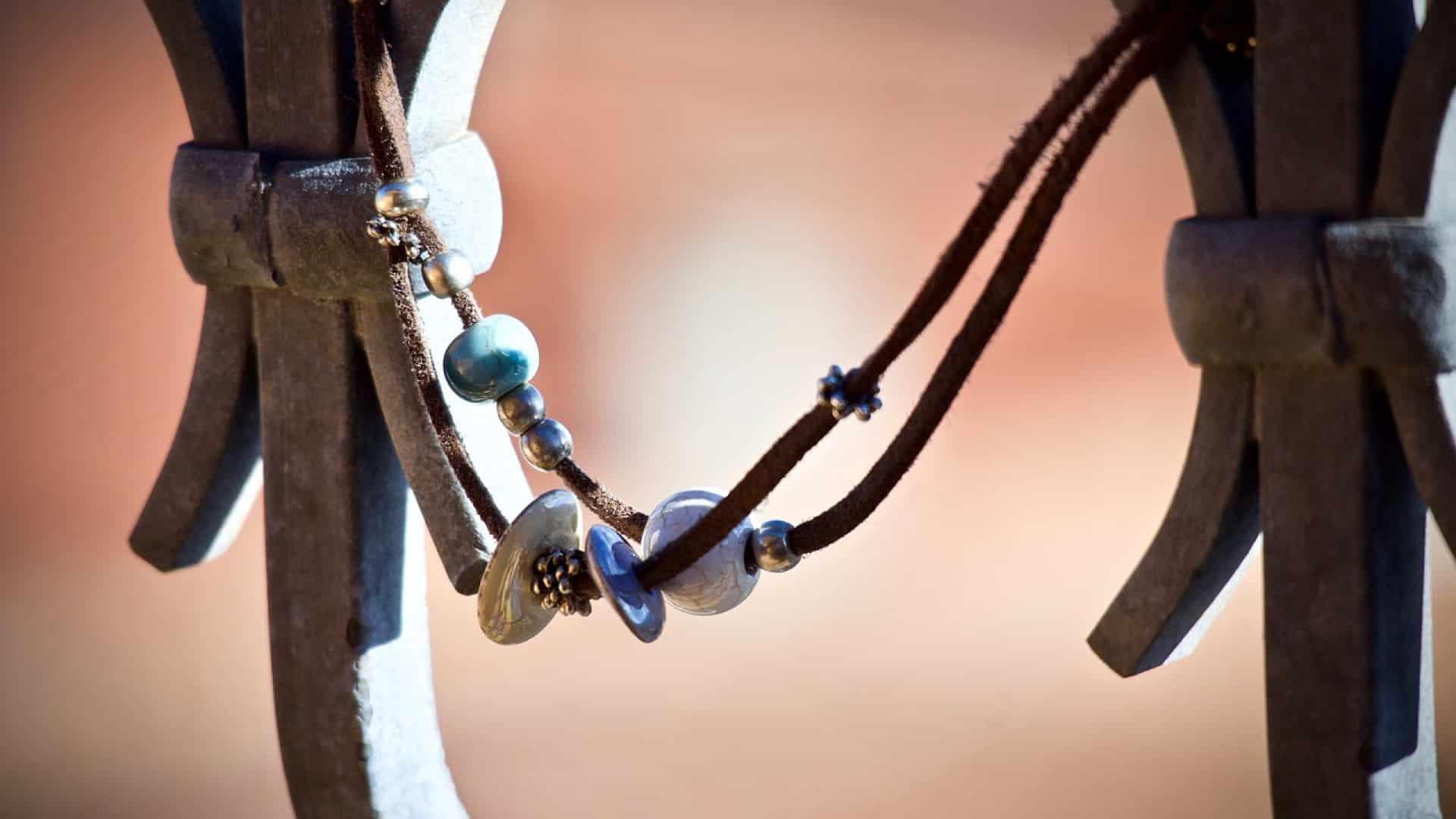 Sublimer une tenue avec des bijoux art déco